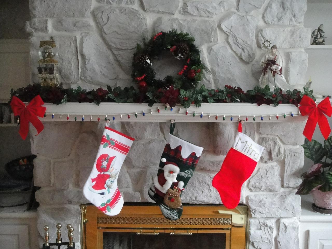 cheminee noel chaussettes