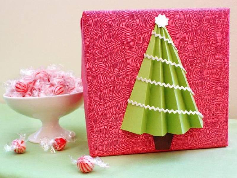 Emballage cadeau de l'arbre de Noël
