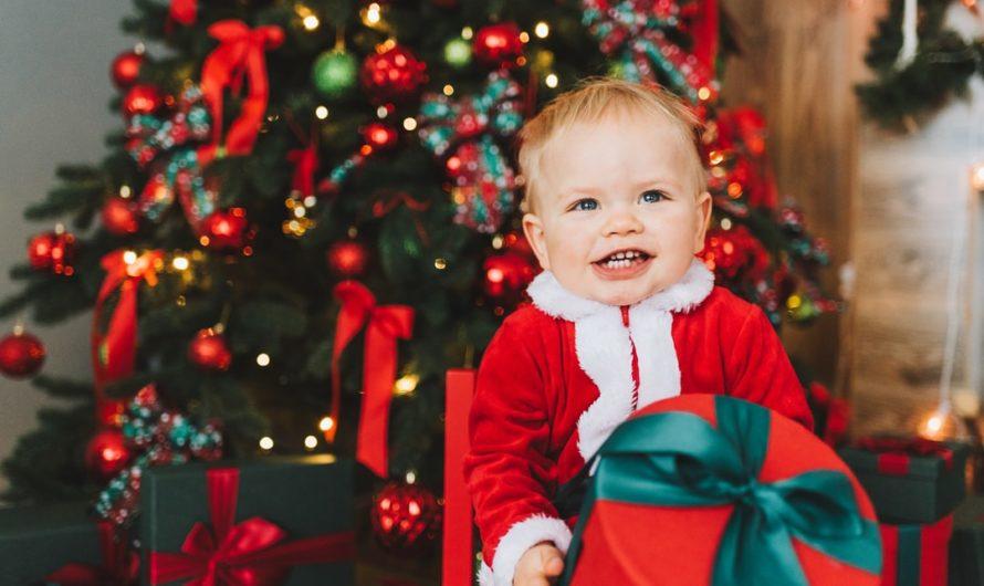 15 Idées cadeaux de Noël pour bébé