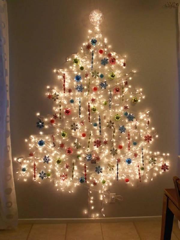Arbre de Noël mural avec clignotants et décorations de Noël
