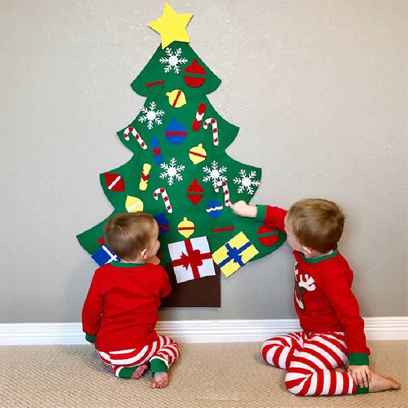 Un arbre de Noël pour les bébés